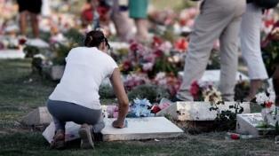 Colmaron los cementerios para recordar a los difuntos