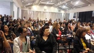 """Mujeres Mutualistas deliberan por """"una economía humanitaria"""""""