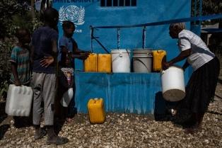 """Prometen fondos para """"vencer al cólera"""", que afectó a 800 mil haitianos desde 2010"""