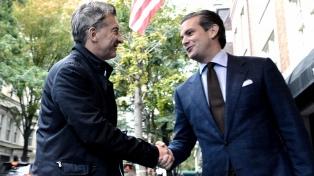 Macri rinde homenaje a las víctimas del ataque