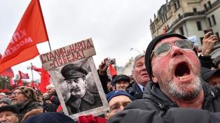 Comunistas celebran el centenario de la Revolución, silenciado por el Kremlin