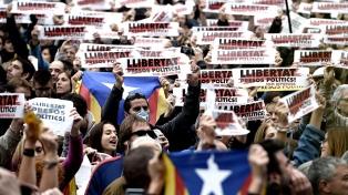 Miles de catalanes reclaman la libertad de los independentistas