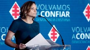 La candidata democristiana dijo que en caso de balotaje no votarán por Piñera