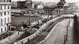 Francisco publicó un tuit a 28 años de la caída del muro de Berlín