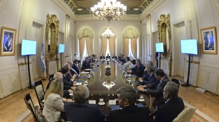 """Cuarto intermedio entre el Gobierno y los gobernadores por el """"consenso fiscal"""""""
