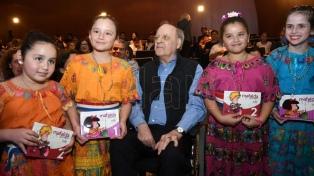 Con participación de Quino, presentaron los dos primeros tomos de Mafalda en guaraní