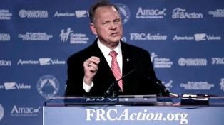 El juez Moore, complicado: otras dos mujeres lo denuncian por acoso sexual