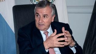 """Para el gobernador Morales el proyecto de salud de Bolivia """"excluye a extranjeros"""""""