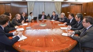 El equipo de Hacienda, encabezado por Dujovne, recibió a la misión del FMI