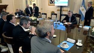 El Presidente encabeza una reunión de Gabinete