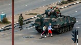 El Ejército tomó el control y el presidente está confinado en su casa