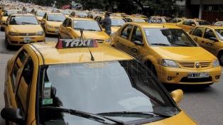 Taxistas protestaron contra el posible desembarco de Uber