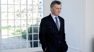 Macri encabeza una reunión de coordinación y visita una feria educativa