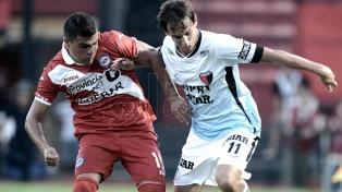 Colón jugó mejor y derrotó a Argentinos en Santa Fe