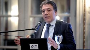"""Dujovne afirmó que el diálogo del Gobierno con la CGT """"va a seguir el lunes"""""""