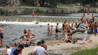 Calculan que un millón de turistas se movilizaron este fin de semana largo