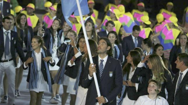 Scola, último abanderado olímpico en Río, encabezó a la delegación olímpica que tuvo el apoyo del Enard
