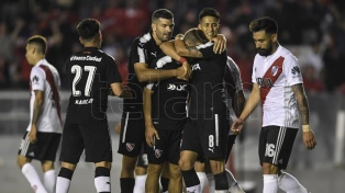 Independiente no perdonó y se quedó con el clásico ante River
