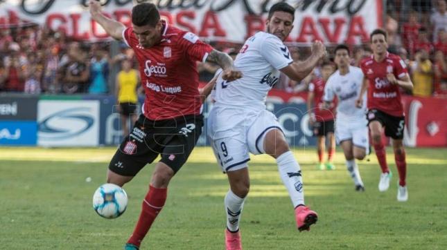 San Martin De Tucuman Y Quilmes Dos Equipos Que Se Armaron Para Pelear El Ascenso Demostraron Este Domingo Que No Es Casualidad El Presente Futbolistico