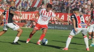 Unión no pudo seguir de racha y empató sin tantos con Chacarita