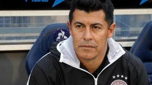 Almirón aún no está en condiciones de dirigir a Las Palmas