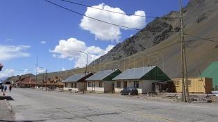 Las Cuevas, un pequeño pueblo enmarcado en el imponente cordón andino