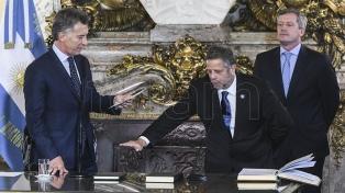 """El Gobierno aceptó la renuncia de Rubinstein y le agradece """"los valiosos servicios prestados"""""""