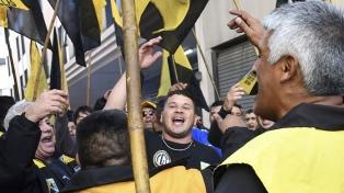 Taxistas protestaron en Aeroparque por el sistema de tarifa prefijada