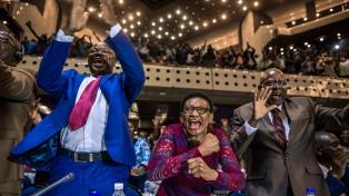 Mnangagwana jurará el viernes como presidente tras la renuncia de Mugabe