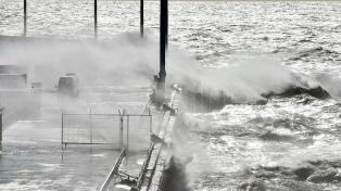 Se demora el atraque de la corbeta Robinson por los vientos en Comodoro Rivadavia