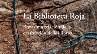 Libros desenterrados: la historia de una biblioteca recuperada luego de la dictadura militar