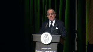 """Faurie pidió al titular de la CIDH que intervenga ante las declaraciones """"antidemocráticas"""" de Zaffaroni"""