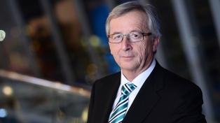 Juncker dice que la negociación del Brexit progresa y que evaluará los avances con May