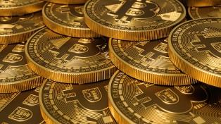 Bitcoin: cómo funciona la moneda virtual cuyo valor pisa los US$ 15 mil