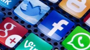 El gobierno acuerda normas más estrictas contra el odio en las redes sociales