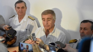 """El Gobierno se comprometió a buscar el submarino """"hasta agotar recursos"""""""