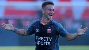 Estudiantes derrotó sobre el final a Atlético Tucumán en Quilmes