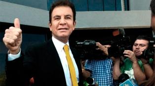 """El opositor Nasralla asumirá una """"presidencia"""" paralela a la del reelecto Hernández"""
