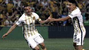 Boca, sin Benedetto, fue superado por Central en Rosario