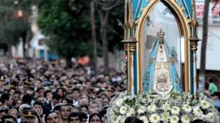 Miles de personas transitaron hacia la fiesta de la Virgen del Valle