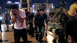 La Fiscalía de Estambul ordenó la detención de otros 360 militares por golpismo