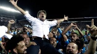 Presidente de Gremio promete una estatua a Renato Gaúcho tras la conquista de la Libertadores