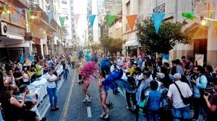 Con alfajores de fernet, música y danza llega la Noche de Casas de Provincias