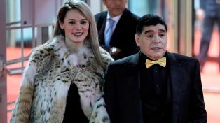 "Maradona: ""Ojalá Messi gane un mundial"""