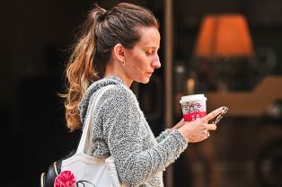 Cada vez son más los argentinos que eligen llevarse el café como compañero de ruta