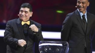 Maradona felicitó a Hamsik porque igualó su récord como máximo goleador histórico de Napoli