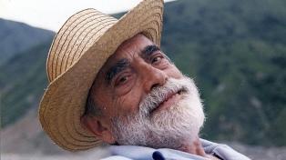 """Recuperan una obra original del pianista y compositor salteño """"Cuchi"""" Leguizamón"""