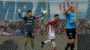 Unión igualó con Belgrano y no pudo sumarse a la cima de la Superliga