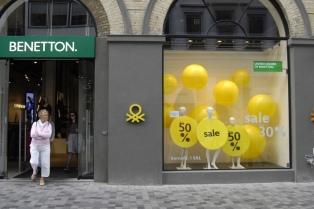 Luciano Benetton regresa al frente de la compañía para rescatarla