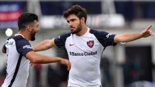 San Lorenzo derrotó a Tigre en Victoria y sigue en la punta